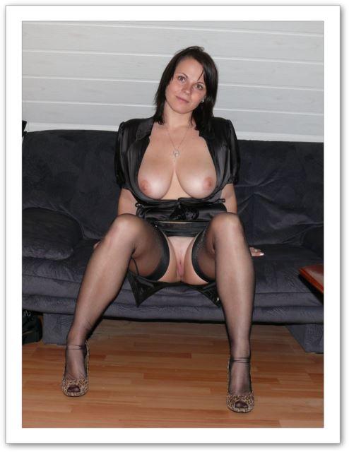 фото женщин вкарсете голые